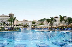 piscina-pool-GUANACASTE_tcm120-54180